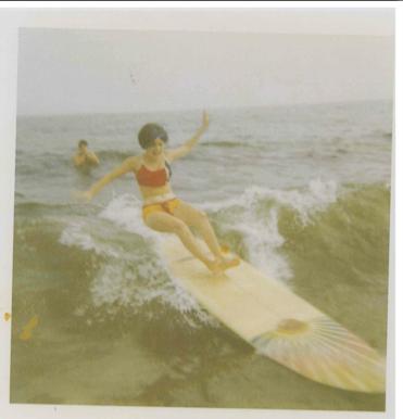 Mom-Surfing